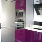 Detalle  cocina en color Berenjena