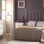 Dormitorio  cabecero  forja  lacado en blanco envejecido